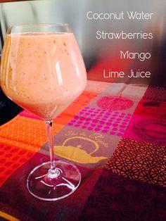 Frullato post-allenamento: Acqua di cocco, fragole, mango e succo di lime. - Smoothie post-workout: Coconut Water, Strawberries, Mango and Lime Juice