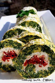 Idealno za Uskršnju trpazu, ili za laganu večeru         Sastojci za rolat:    200 g blanširanog spanaća, oceđenog i sitno iseckanog  50 g...