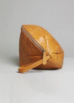 Regina Diamond - nut brown