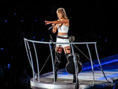 Taylor Swift was all smiles and good energy during the Seattle stop of her 1989 world tour. Taylor Swift Concert, Taylor Alison Swift, The 1989 World Tour, Concert Photography, All Smiles, Evolution, Photo Shoot, Seattle, Stage