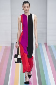 Salvatore Ferragamo Fall 2016 Ready-to-Wear Fashion Show - Sora Choi