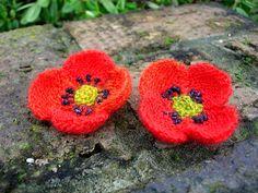 Field Poppy pattern by Lesley Stanfield #knit #free_pattern