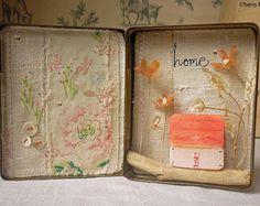 Originale opera d'arte - tecnica mista - fiori in stagno dell'annata con casetta in legno - Home