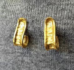 Gold earrings hoop Vintage Stylehammered    Repousse by OakaTitan