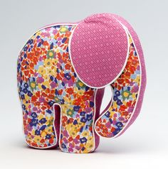 Not crazy about this fabric combination - but I love the elephant!  Cute project for a baby (someday).