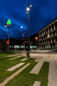De la Vall Square, Andorra, Spain – Architectural project: Adserà i Grifé, Josep – Photo: Luz y Arquitectura Martinez Gala – Lighting products: iGuzzini illuminazione #iGuzzini #Lighting #Light #Luce #Lumière #Licht #Multiwoody #Andorra