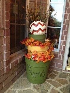 Don't love fake leaves but love the stacked pots in colors. Outside Fall Decorations, Cheap Halloween Decorations, Autumn Decorating, Porch Decorating, Decorating Ideas, Decor Ideas, Thanksgiving Place Cards, Seasonal Decor, Holiday Decor