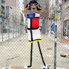 I really love the street style #Art of Yarnbomb Beauty London Kaye - #crochet