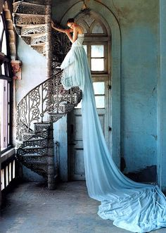 Tim Walker Photography for Vogue UK 2005 - One of my most favorite photos. <3
