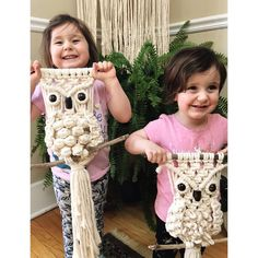 Finally figured out a macrame owl pattern I loved. Macrame Owl, Owl Patterns, My Precious, Happy Friday, Driftwood, Studios, Crochet Necklace, Mandala, Beads