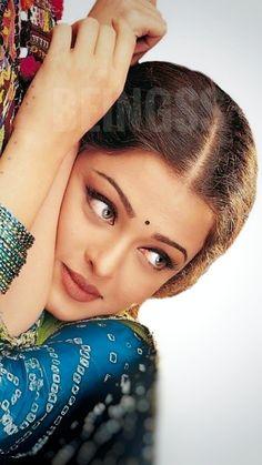 Aishwarya Rai Movies, Aishwarya Rai Young, Aishwarya Rai Pictures, Actress Aishwarya Rai, Indian Bollywood Actress, Aishwarya Rai Bachchan, Indian Actresses, Most Beautiful Indian Actress, Beautiful Actresses