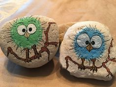 paint stones, rugged natural stones painted with little birds on bouquets . paint stones, rugged natural stones painted with little birds on green and blue bouquets, crafts for children fo. Pebble Painting, Pebble Art, Stone Painting, Stone Crafts, Rock Crafts, Arts And Crafts, Bird Crafts, Caillou Roche, Art Rupestre