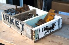 A stencilled junky junk drawer to organize junk (Funky Junk Interiors) Man Crates, Pallet Crates, Old Pallets, Wooden Crates, Pallet Signs, Pallet Wood, Crate Seats, Crate Bed, Crate Bookshelf