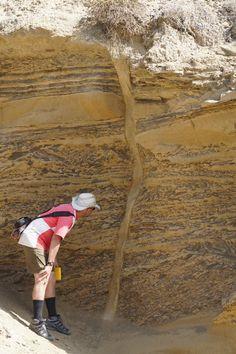 Impressive clastic dyke through a slide block, Rosario Formation, a Late Cretaceous unit in southwestern California (U.S.) and northwestern Baja California (Mexico).