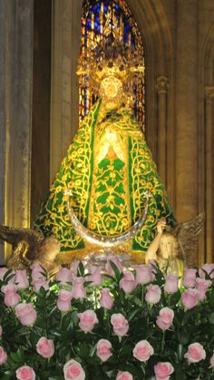 """Die Marienstatue """"Unsere Liebe Frau der Ebenen"""",  die sich 1100 einem Bauern im nun nach ihr benannten Ort Santa María de Los Llanos enthüllte, verehrt in der Kathedrale in Albacete"""