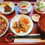 マクロビカフェ ひとこきゅう - 日替り定食