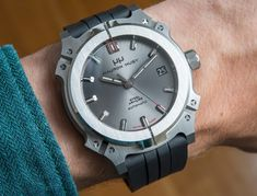 """Mauron Musy Classic Steel Armure Watch Review - by David Bredan - Learn more about the """"nO-ring"""" at: aBlogtoWatch.com """"Having seen the turbulent recent years of the watch industry, it sure takes some admirable self-confidence to start a watch brand from scratch. Arguably, one would need a solid starting idea, a unique selling point, coherent and powerful design DNA, a decent movement... all offered at a competitive price. In an effort to tick all of these boxes..."""""""