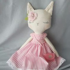 This little kitty found a new home. Where is nice and sunny, in Spain! #handmade #fabricfordolls #heirloomdoll #handmadetoys #dollmaker #softtoy #babygifts #nursery #kids #dolls #clothdolls #crafts #pink #nurserydecor #dollinstagram #sewing #kids #baby