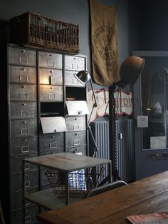 Things That You Need To Know When It Comes To Industrial Decorating You can use home interior design in your home. Even with the smallest amount of experience, you can beautify your home. French Industrial Decor, Industrial Office Design, Modern Industrial, Industrial House, Industrial Interiors, Industrial Workspace, Industrial Industry, Industrial Architecture, Industrial Storage