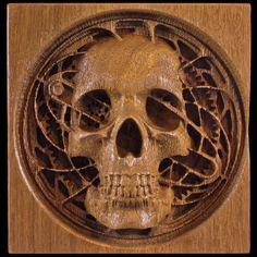 CNC tallada de madera cráneo y engranajes steampunk para escritorio