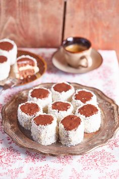 Szuperfinom hólabda | Street Kitchen Christmas Snacks, Breakfast Recipes, Cereal, Sandwiches, Cheesecake, Food And Drink, Xmas, Sweets, Cookies