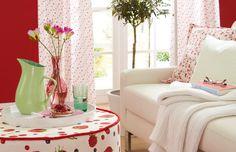 Rot, Rot Und Noch Mehr Rot. Sommerlicher Und Frischer Look Füru0027s Wohnzimmer  Mit Einem