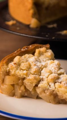 Crumble de Manzanas y Peras Pasta Flora Recipe, Banana Blondies, Pan Dulce, Almond Cakes, Saveur, Let Them Eat Cake, Risotto, Macaroni And Cheese, Food And Drink