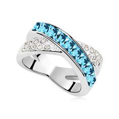 Prsten s krystaly Swarovski elements, v azurové barvě.