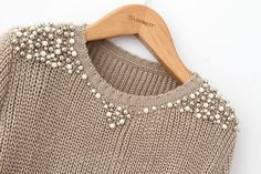 Pearl beading sweater - Perfect for Work!Sweater with pearls and silver beads.Remaking Pullover (große Sammlung) / Sweat … - Beauty Tips & Tricks An old sweater and A lot og Bears Ways to Refashion and Restyle your Old Clothes - DIY Fashion Fashion Details, Diy Fashion, Winter Fashion, Womens Fashion, Diy Kleidung, Diy Vetement, Diy Mode, Old Clothes, Loose Sweater
