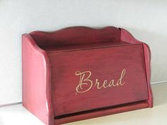Bread Box Makeover & Ideas For Other Uses – Remodelaholic Woodworking Table Saw, Woodworking Courses, Woodworking Tools For Sale, Woodworking School, Easy Woodworking Projects, Woodworking Machinery, Wooden Bread Box, Bread Boxes, Wooden Boxes