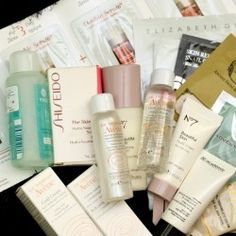 win a beauty box with skin care miniatures and samples ^_^ http://www.pintalabios.info/en/fashion-giveaways/view/en/2833 #International #MakeUp #bbloggers #Giweaway