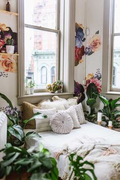 Vintage Floral - Free Domestic Shipping Over $99 USD. Each order includes a variety of vintage floral wall decals that you can place as you wish. Order today from UrbanWalls. DIY home decorbest in town.  >>> You can find out more details at the link of the image. #CozyHomeDecor