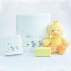 Little Ducky Neutral Baby Bath Towel Hamper Baby Gift Hampers, Cute Ducklings, Duck Toy, Baby Soap, Baby Ducks, Goat Milk, Baby Design, Corporate Gifts, Towel Set