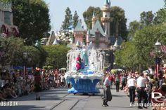 A look down Main Street in Disneyland at the Frozen Parade Float.| http://land.allears.net/blogs/lauragilbreath/2014/06/disneyland_resort_photo_update_73.html | #Disney #Disneyland #DCA #Frozen #Elsa #IcyBlast #Parade #California #Cali