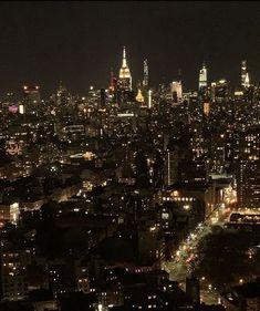 Night Aesthetic, City Aesthetic, Travel Aesthetic, Aesthetic Girl, New York Life, Nyc Life, City Vibe, Dream City, Living In New York