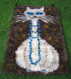 cat rya rug Rya Rug, Wool Rug, 1960s House, Vintage Home Accessories, Retro Room, Mid-century Interior, Mid Century Modern Art, Penny Rugs, Cute Creatures