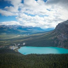 Lake Louise from #LittleBeehive  #ShareAlberta #YYCNow  This short enjoyable hike takes you to incredible views above the château and down the valley.  Photo: @sommers_photo