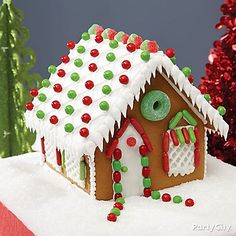 Take a visit to the Claus' home! Create your own Christmas Retreat Gingerbread house with our great how-to & decorating tips!