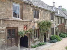 """Oxford, Worcester College. """"It was this cloistral hush that gave our laughter its resonance"""" (from Evelyn Waugh's Brideshead Revisited"""")."""