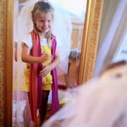 How to Make a Dress-Up Bridal Veil for a Child | eHow