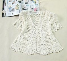 White crochet jacket, cardigan or sweater Pull Crochet, Gilet Crochet, Crochet Motifs, Crochet Shirt, Crochet Jacket, Crochet Cardigan, Crochet Hooks, Crochet Top, Crochet Patterns