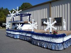 Float #17                                                                                                                                                                                 More