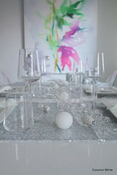 White and silver christmas tablesetting - Coconut White