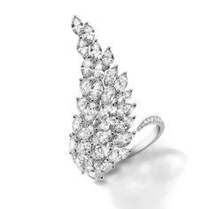 Bague Angel de Messika en diamants taille marquise http://www.vogue.fr/joaillerie/le-bijou-du-jour/diaporama/les-boucles-d-oreilles-angel-de-messika-diamants-taille-marquise/20713#!bague-angel-de-messika-en-diamants-taille-marquise