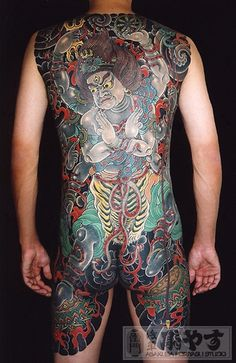 """Japanese Gangster Tattoos  The Japanese tattoo hit a cultural peak in the Edo period. Currently it is not widely accepted among Japanese people, because having tattoo is almost like advertising """"I'm Yakuza.""""  #yakuza#tattoo#Japan"""