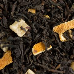 Les Frères Dammann _ L'orange, le caramel et l'ananas dominent ce mélange de thés de Chine et de Ceylan, aux parfums traditionnels de Noël. Agrémenté d'écorces d'orange et de morceaux de fruits, ponctué d'une note de marasquin.