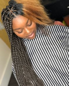 Twists and braids are one of the most loved, and used hairstyles today. Twists make it possible for you to extend your natural hair and attach almost anything you want – from high-quality commercia… African Braids Hairstyles, Girl Hairstyles, Braided Hairstyles, Hairstyles 2018, Cabello Afro Natural, Curly Hair Styles, Natural Hair Styles, Short Box Braids, Pelo Afro
