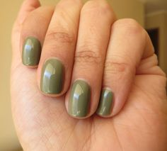 605 Color Riche - Loreal Loreal, Green Colors, Nail Polish, Nails, Beauty, Enamels, Colors, Finger Nails, Ongles