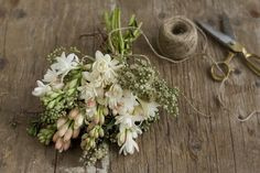10 Overlooked Summer Flowers: Tuberose. Arrangement by Chelsea at Frolic (via Design Sponge).