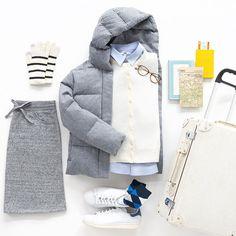 Travel in comfort and style. ✈︎ #uniqlo #uniqlolifewear #simplemadebetter #basics #essentials #classicstyle #travellife #travelstyle #neverstopexploring #uniqloflatlay #ユニクロ #シンプルコーデ ウール#ダウンジャケット: 178942 エクストラファイン メリノ クルーネック カーディガン: 173608 エクストラファイン コットン オーバーサイズ シャツ: 177979 ボア スウェットスカート: 176618 #ヒートテック ソックス: 185176 ヒートテック グローブ: 180239 *その他、スタイリスト私物